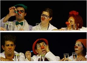 Os palhaços apresentam pela primeira vez o espetáculo Midnight Clowns no teatro Aliança Francesa, em São Paulo