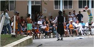 Início do projeto Plateias Hospitalares no Rio de Janeiro, com sete hospitais públicos do Estado