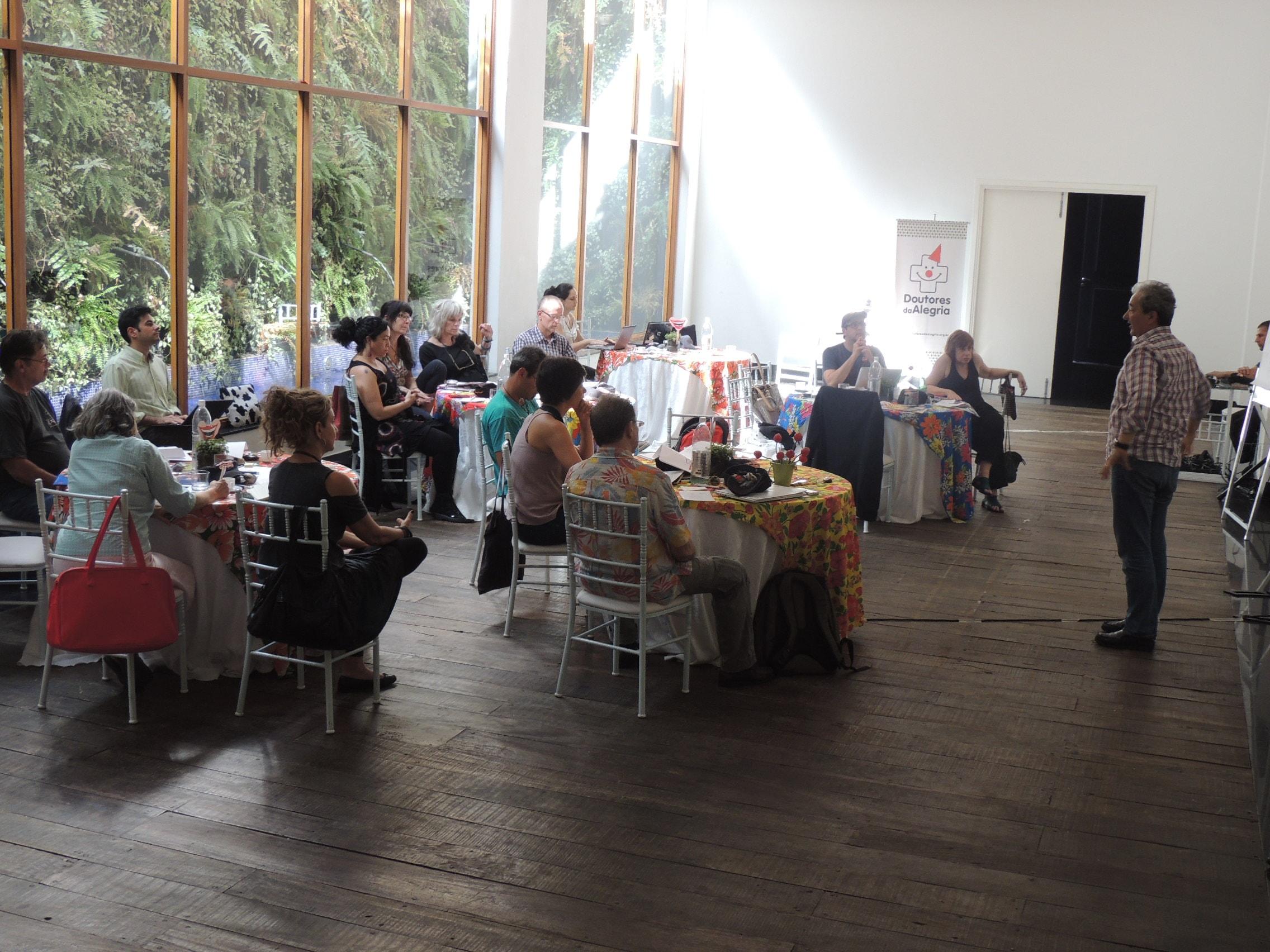 Doutores da Alegria recebe lideranças internacionais para encontro em SP