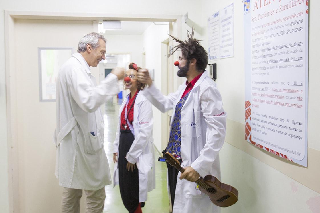 Quem cuida de nós enquanto os médicos adoecem?